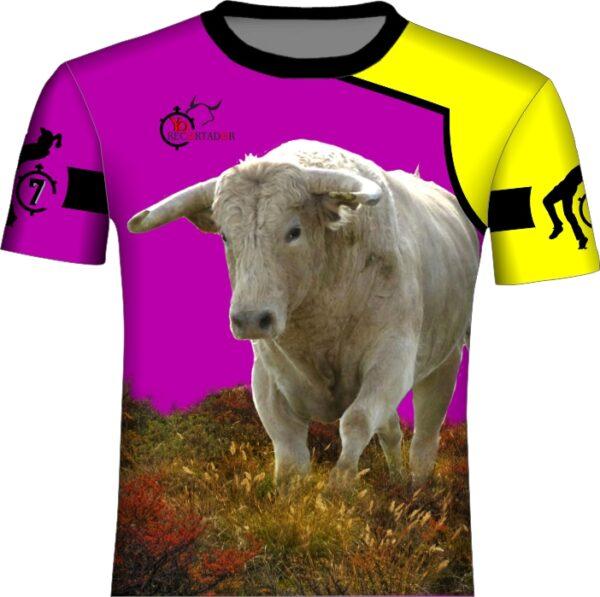 Camiseta toros en el campo